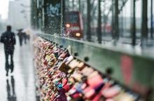 Platzregen auf der Hohenzollernbrücke