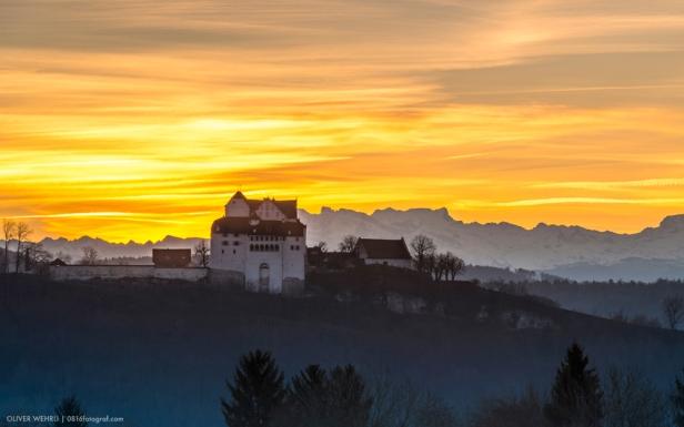 Schloss Wildegg bei Sonnenaufgang