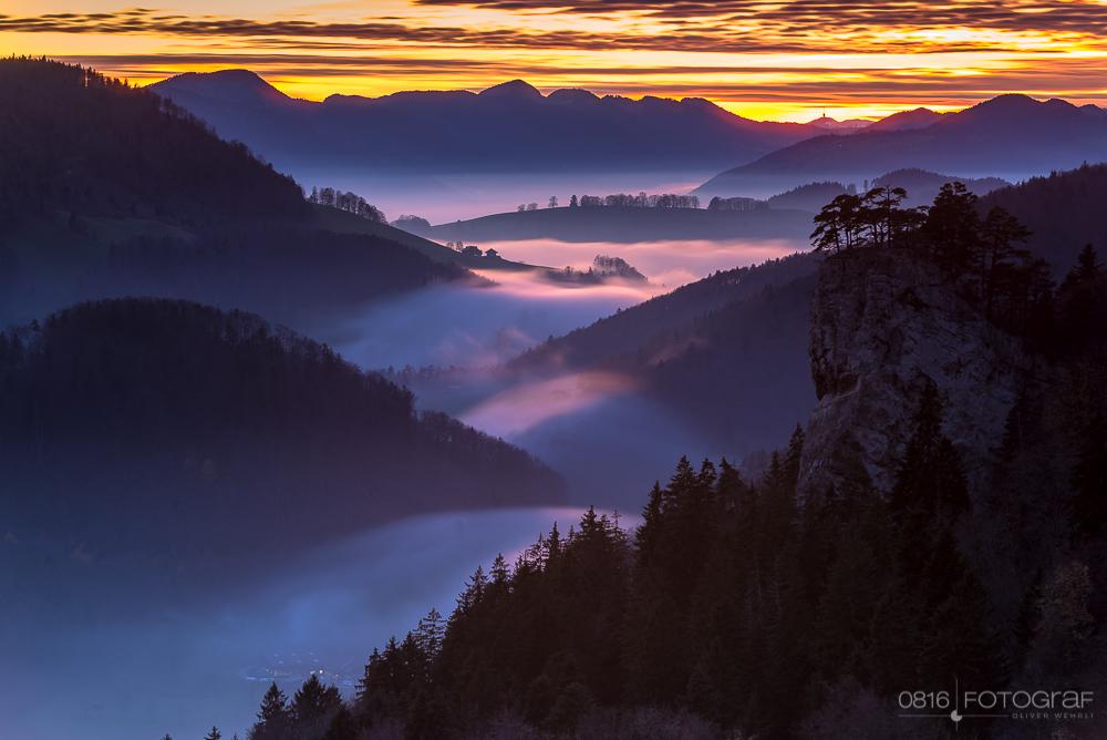 Sonnenuntergang bei den Ankenballen im Schweizer Jura