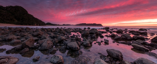 Neuseeland, Coromandel, Hot Water Beach, Sonnenaufgang, Rot, Morgenrot, Strand