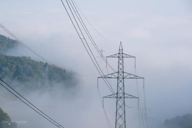 Licht, Sonnenstrahlen, Herbstvorboten, Herbstwald, Nebelwald, Nebel und Sonnenstrahlen, Elektrizität, Aargau, Mittelland