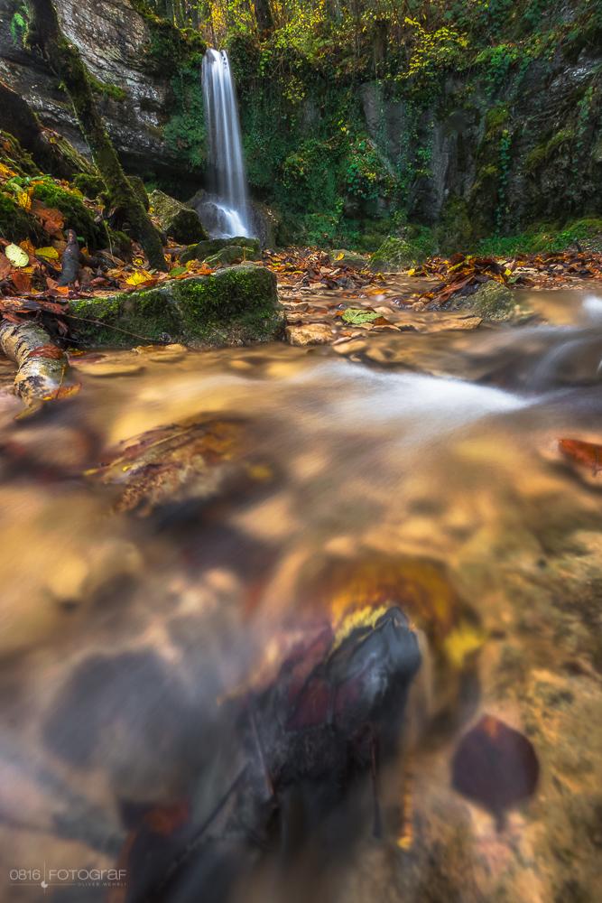 Linner Wasserfall, Linn, Wasserfall, Aargau, Herbst, Landschaftsfotografie, Sagimülitäli, Linner Bach