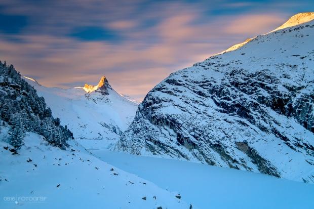 zerfreila, zerfreilahorn, zerfreilasee, stausee, morgen, sonnenaufgang, winter, vals, winterlandschaft, valsertal, landschaftsfotografie, landschaften, schweiz, graubünden
