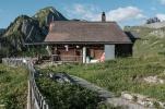 Suls-Lobhornhütte mit Lobhörner im Hingergrund